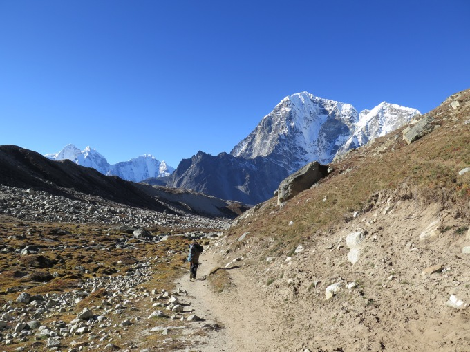 Everest Base Camp Trek -Gorak Shep to Lobuche