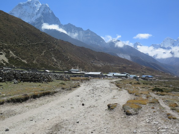 Khumbu Khola Valley coming into Dingboche