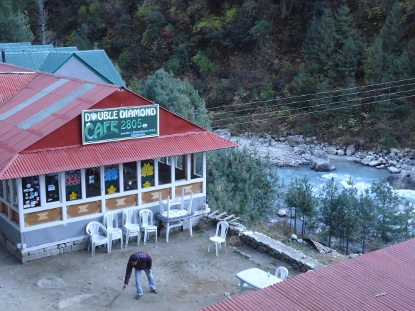 Double Diamond Cafe 2805 metres , Jorsale Nepal