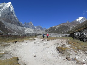Khumbu Khola Valley heading towards Periche