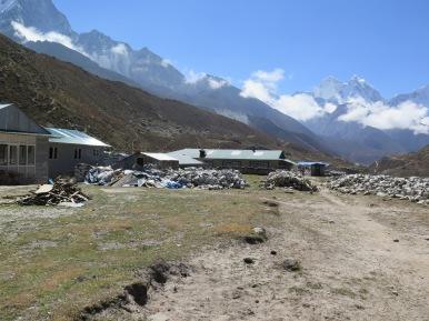 Earth quake damage in Periche