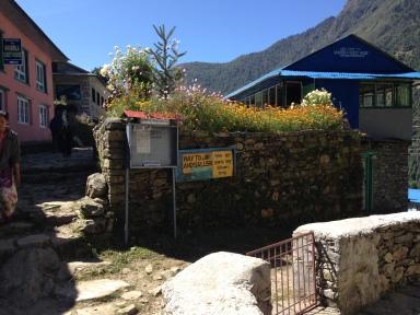 Sign to Jiri from the main EBC trail