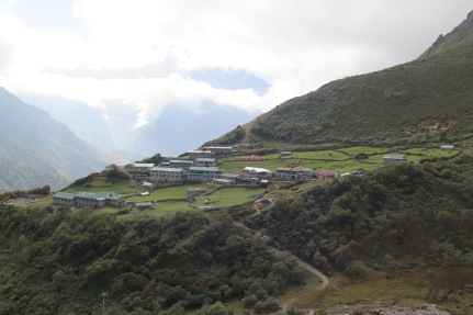 Camping an Lodge accommodation in Dole Gokyo region Nepal